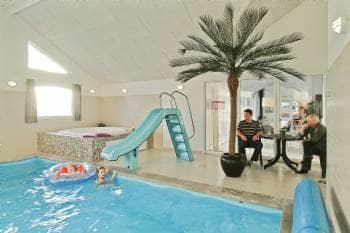 Luksus pool sommerhus 22 pers