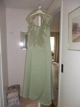 Elegant lang doucegrøn kjole
