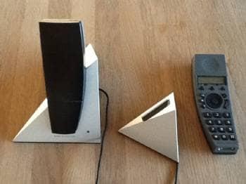 B&O trådløse telefoner - Klitrosevej - 2 stk sorte trådløse B&O telefoner, 1 stk. base/oplader samt 1 stk vægophæng/oplader. Meget velholdt. - Klitrosevej