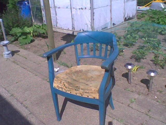 Stol - Balling - Gammelt antik stol. Sæden trænger til nyt betræk. Derfor sælges den billig. - Balling