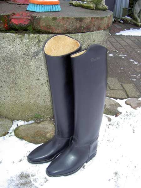nye lange Derby læder støvler - Lyngtoften - Nye lange Derby læder ride støvler Højde 53 cm skafte vidde 36 str 4 ny pris 2499 men gi et bud - Lyngtoften
