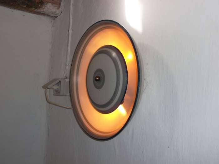 væglampe - Ejskærvej 5 - Keramik. Giver et flot og dæmpet lys - Ejskærvej 5