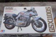 Model motorcykel