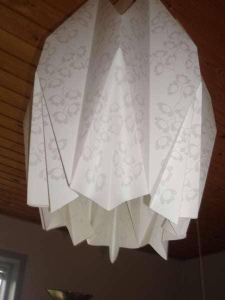Stor, hvid lampe