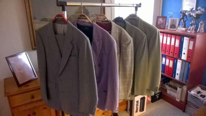 Habitjakker - Sallingsundvej 74 - Habitjakker størrelse m og l. retro 60 og 70 stil flotte jakker meget lidt brugte eventuelt med bukser sælges 100,00 pr stk 26830385 - Sallingsundvej 74