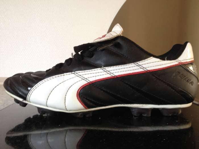 Fodboldstøvler - Odgaardsvej 26 - Puma fodboldstøvler med faste knopper. str. 39 Brugt - Odgaardsvej 26