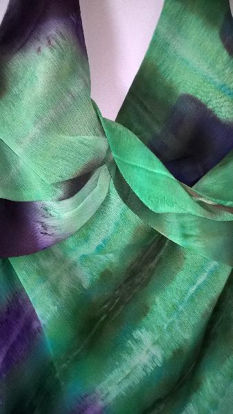 Selskabskjole - Brårupparken 2 - Flot og elegant fest/ galla kjole fra Maria Bonita. Skønne klare farver. En kjole ingen har mage til. Kom og prøv ! Str. S-M ny pris 2000 kr - Brårupparken 2