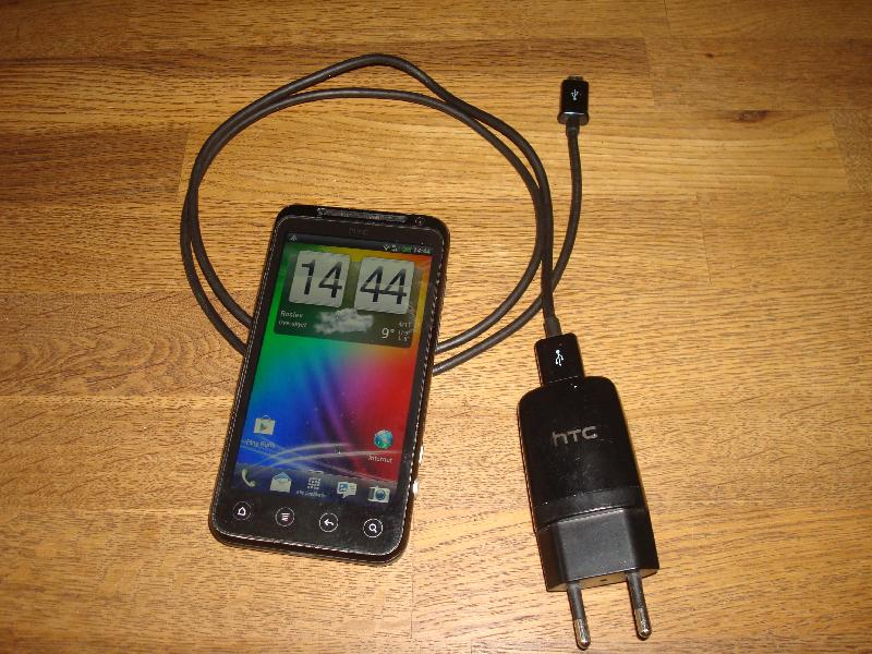 HTC Evo 3d - Furvej 17, Selde. - Fin mobil med lader- - Furvej 17, Selde.