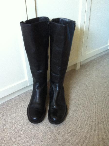 Sorte læderstøvler
