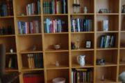 Reolvæg til f.eks. bøger