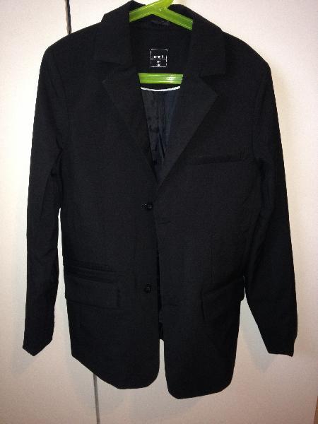Drenge-blazerjakke sælges - Normavej 4 - Sort blazerjakke fra Name It til dreng, str. 140, ca. 10-11 år. Den er som ny, brugt få gange - Normavej 4