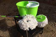 Gulvspand med moppe