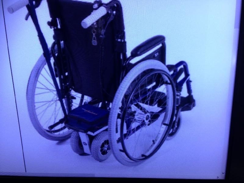 Skubbemotor til kørestol - Johs Ewalds Ej 5 - Alurehab skubbemotor til kørestol.Se www.Alurehab com under hjælpemotor. Fantastisk hjælper til kørestolen. hastighed op til 7 km. Nypris 8.227.- - Johs Ewalds Ej 5