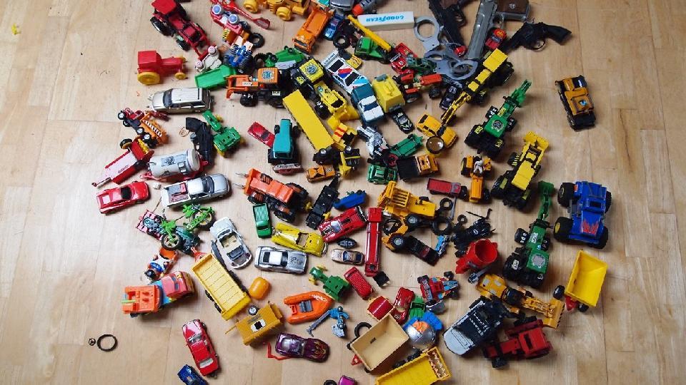 TRAKTOR biler m,v. - Nymøllevej 61 - Biler & traktor plast & metal mv. som foto. - Nymøllevej 61