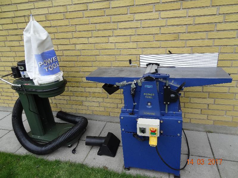 Afretter/tykkelseshøvl - Vesteralle 31 - Næsten ikke brugt. 260 mm jern. 150 mm tykkelse. 380 v. Sælges samlet. - Vesteralle 31
