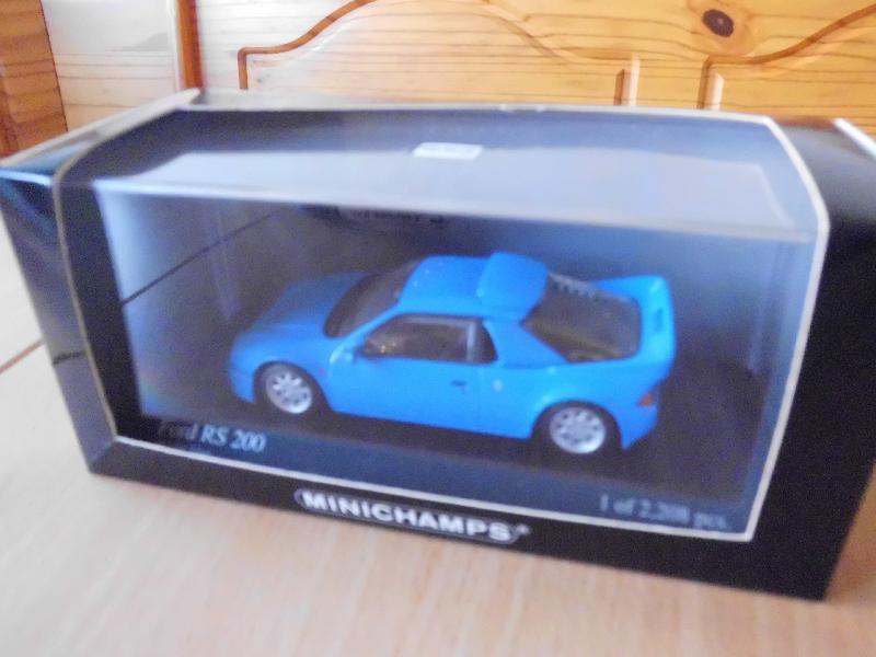 model bil 1/43 - Ramsing - Ford RS 200 minichamps Pouls modelart 1986 ( ny ) meget detaileret se billede .Bilen er i udstillingsbox HAR IKKE MOBILPAY - Ramsing