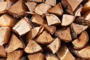 Kløvet løvtræ sælges