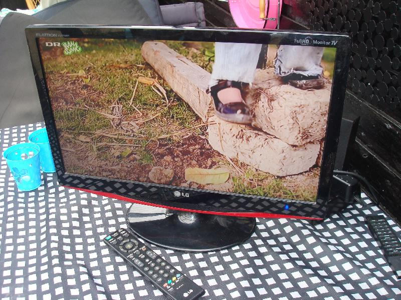 22″ tv med mpeg4 - Furvej 17, Selde. - LG 22″ me3d hdmi mpeg 4 mv. Remote. Fullhd - Furvej 17, Selde.