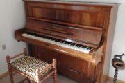 Klaver med klaverbænk