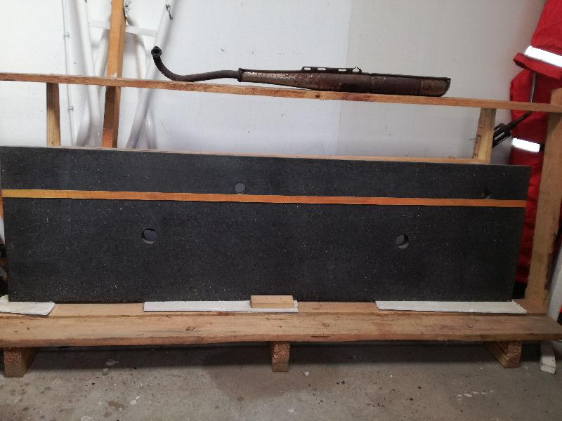 Beton bordplade med forboret h