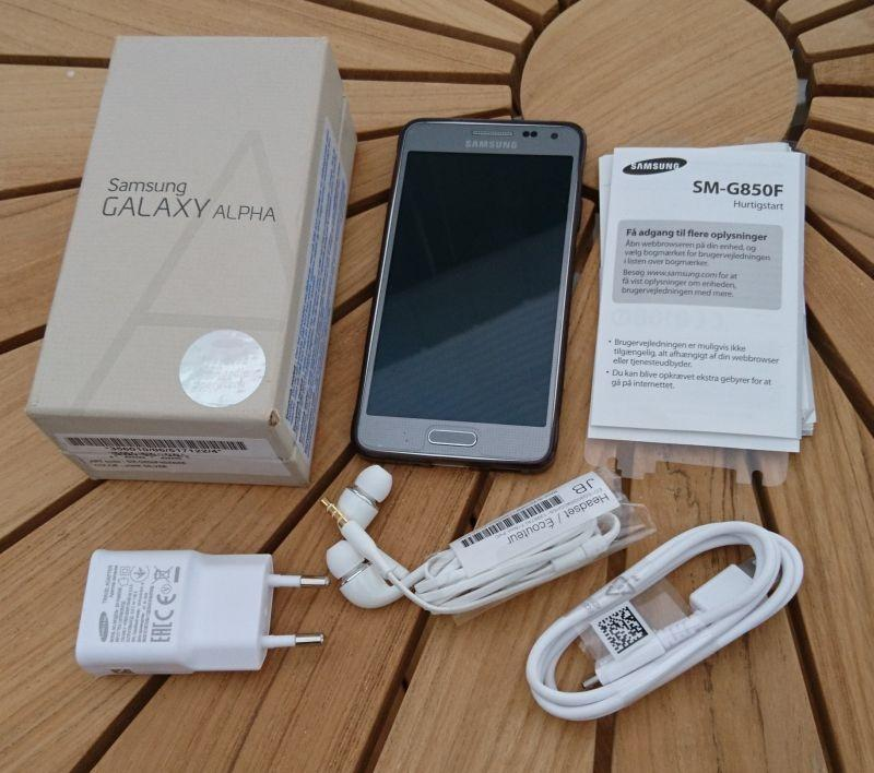 Samsung Alpha - Danmark - Samsung Galaxy Alpha Flot telefon, ingen ridser, der har altid været beskyttelse film på skærmen Virker perfekt, men batteriet trænger til udskiftning - Danmark