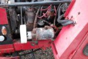 Minitraktor med kost