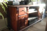 Velholdt tv bord