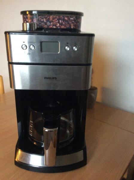Kaffemaskine - Agertoften 32 V. Lem - Kaffemaskine med kaffekværn , virker 100 % pris 400 ny pris 1600 - Agertoften 32 V. Lem