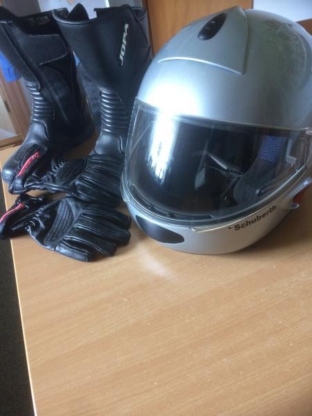 MC tøj, hjelm, støvler