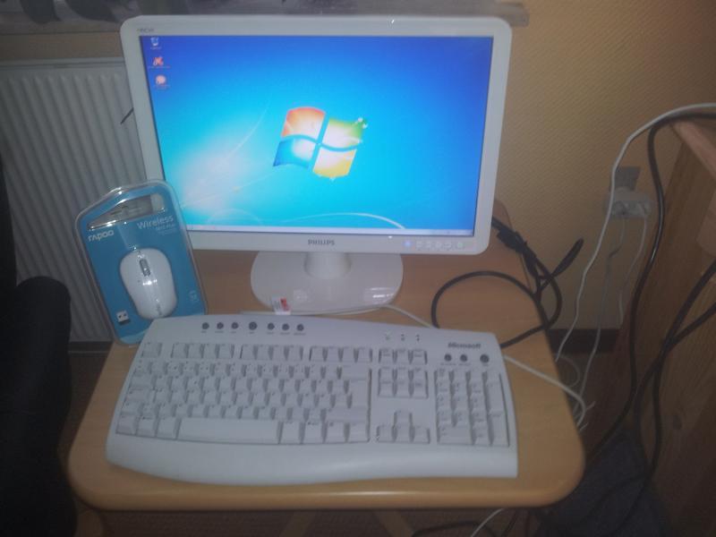Computer - Danmark - Hjemmebygget computer: Amd dua lcore processor 6000 3,0 Ghz 4 gb ddr2 ram 300 gb Hdd 2 gb Nvidia geforse 620 grafikkort Installeret med win. 7 Home Premium Microsoft tastatur (brugt) Ny mus Phillips 19″ skærm - Danmark