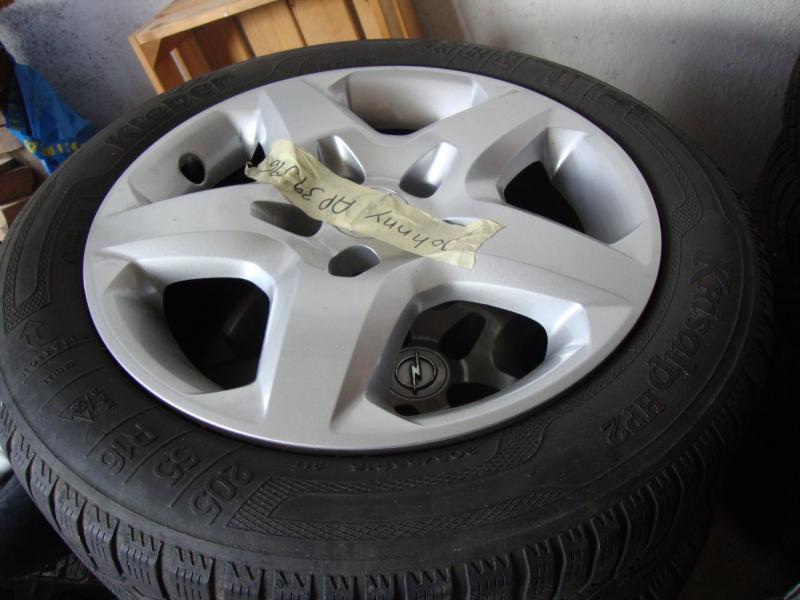 bildæk på stålfælge - Granvænget 35 - 4 stk. vinterdæk på stålfælge sælges. Passer til opel Astra h 205-55-16 Ca 20 % slidbane tilbage. - Granvænget 35