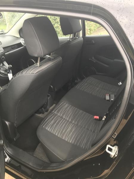 Mazda 2 advance 1,3 benzin2008 - Viborgvej - Fin økonomisk bil kun 195.000km ..nærmest gratis i vægt afgift ! 600 hver halve år 1år til syn .. kan evt leveres nysynet Udstyr Sædevarme El ruder El spejle A/c Cd radio med aux Højdejusterbar sæder Centrallås med fjernbetjening Alu  - Viborgvej