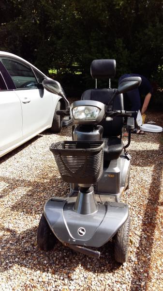 """4-hjulet el-scooter – Sterling - Danmark - 4-hjulet el-scooter mærke Sterling S700 sælges. 2 år gammel, købt hos Søhede Motorservice (Skive) fra ny. Lille defekt ved for """"ko-fanger"""". Ny pris 24000 kr - Danmark"""