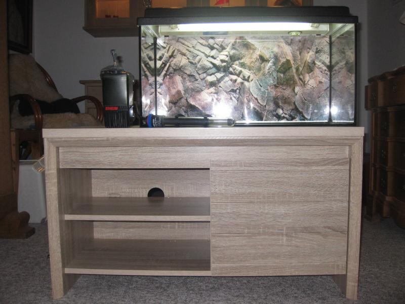 Akvarie - Trevældvej 14 - 54 liter Eheim akvarie. Der medfølger cirkulationspumpe og varmelegeme, samt et bord. - Trevældvej 14