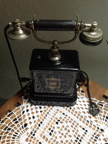 Telefon - Vestergade 17 - Gammel dekorativ telefon fra Jysk, mangler tragten men ellers i fin stand. BYD gerne - Vestergade 17
