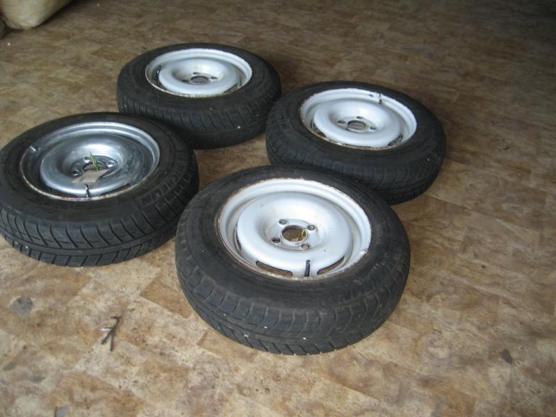 dæk og fælge - Harrevigvej 2, Hjerk - Vinterdæk m/stålfælge til VW. 155/180/R13, krydsmål 4. - Harrevigvej 2, Hjerk
