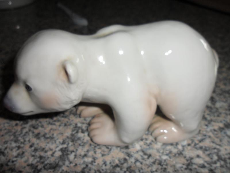 Stående isbjørn fra B&G