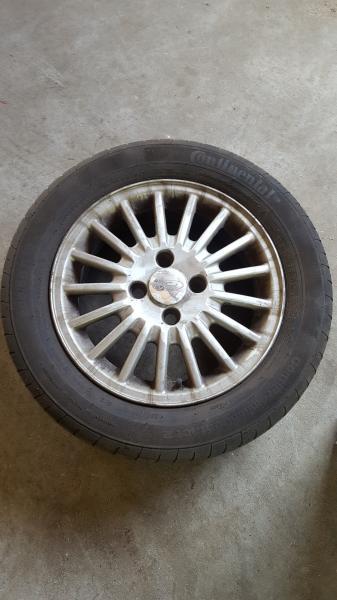 4 dæk og fælge til ford - Rudemøllevej 85 - 4 alufælge med gode dæk passer til 4 huls ford - Rudemøllevej 85