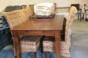 Flot spisebord med stole