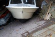 båd med kahytten