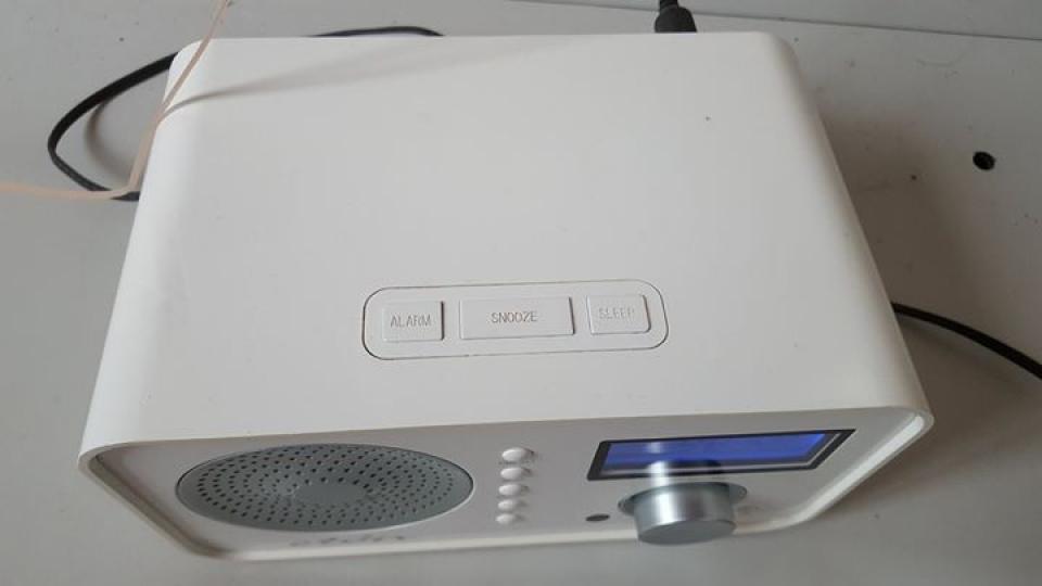 Eton Sound 100 FM Clock alarm