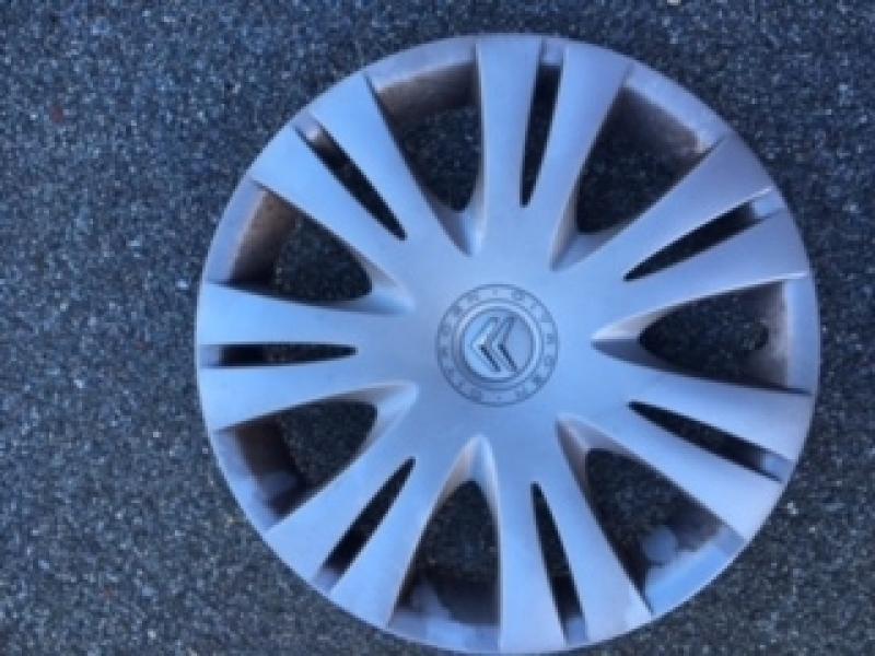 Citroen hjulkapsler - Landevejen 23 - Citroen hjulkapsler 15″ 2 stk 200 kr.kr - Landevejen 23
