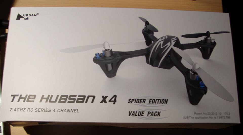 Drone – The Hubsan x4 H107 - Højlundsvej 224 - Drone, – The Hubsan x4 H107 Sprit ny drone 360° flips & rolls – Har ikke været i brug. Age +14 Pris 250 kr. + evt. forsendelse på 49 kr. Er åben for en fair bud