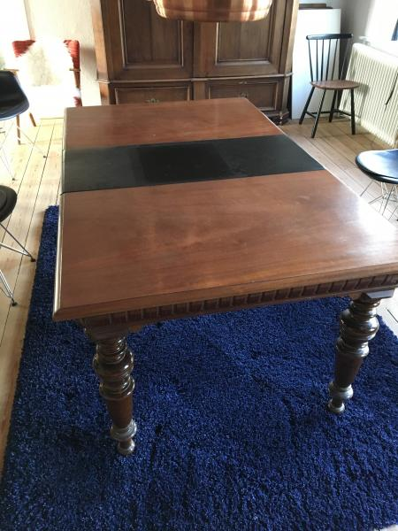 Spisebord med 12 stole - den lokale hjemmeside for Skive-egnen