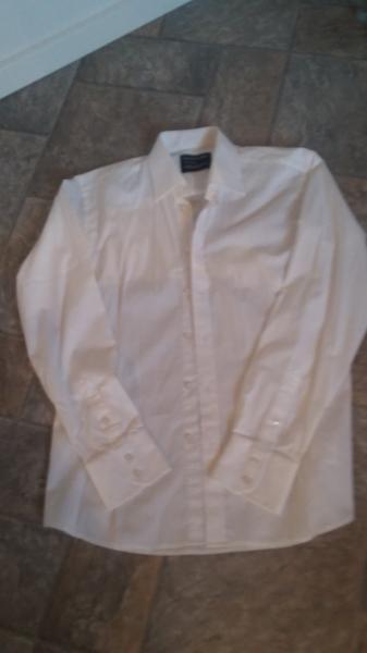 Habit sort m/råhvid skjorte