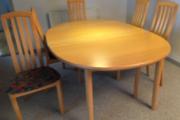 Spisebord med 5 stole i bøg
