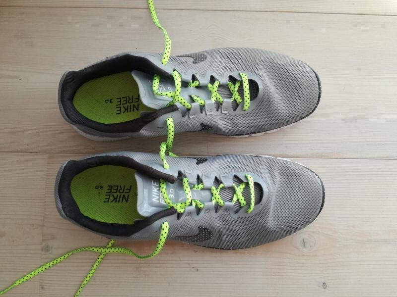 Nye Nike sneakers sælges