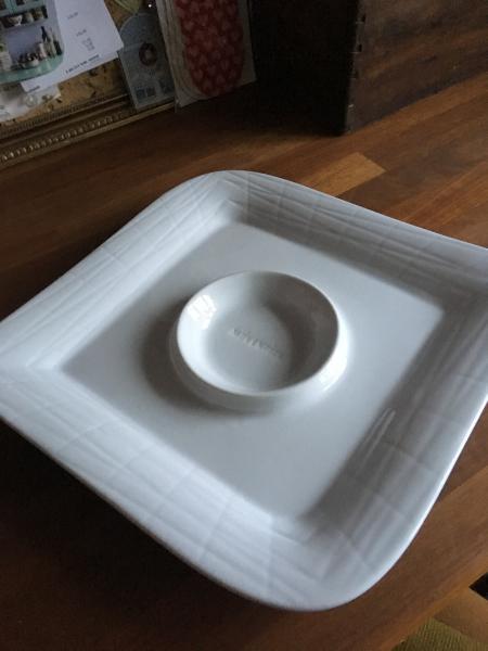 Nye hvide tallerkener