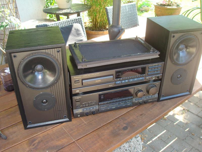 Technics - Furvej 17, Selde. - SA-GX530 forstærker, ingen remote, 400kr. CD: SL-PG420a 200kr. Mission 761: 300kr. samlet 750kr. Hvorfor finde sig i en lille skrattende iphone dock når man kan få så god lyd så billigt!!! - Furvej 17, Selde.