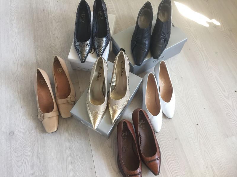 Sko - Petravej - Lysebrun Ecco sko str. 41 – kr. 225,- Brugt få gange Sort Gabore Sko, str. 40,5 – 350 – Aldrig brugt, ny pris 800,- Brune Caprise sko, str. 40,5 – kr. 225,- Aldrig brugt Hvide Servas sko, str. 6,5 – kr. 200,- brugt en gang, ny pris 5 - Petravej